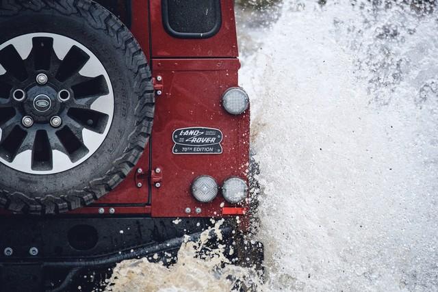 Land Rover lance une version V8 du Defender pour célébrer ses 70 ans Db4e7c93b310b2b29b7c