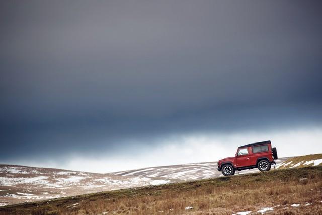 Land Rover lance une version V8 du Defender pour célébrer ses 70 ans F0d4cd6daa3c7a6d88ef