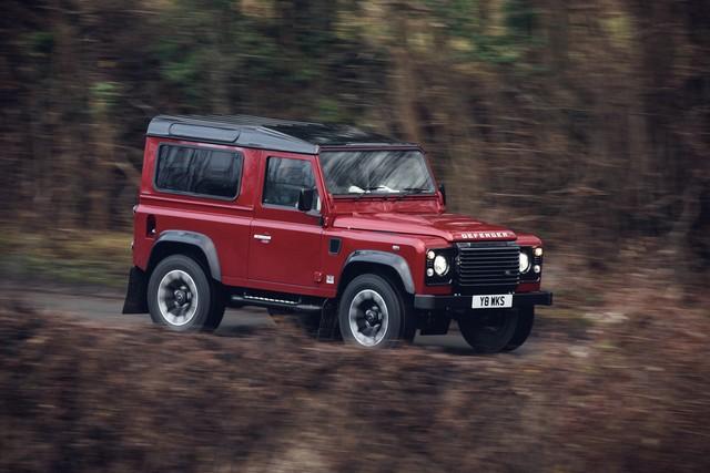 Land Rover lance une version V8 du Defender pour célébrer ses 70 ans 8b77162a3d31785be717