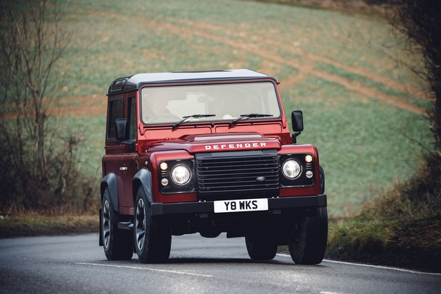 Land Rover lance une version V8 du Defender pour célébrer ses 70 ans 66a26b84a1a68b194082
