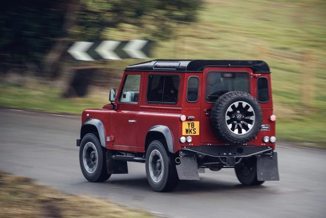 Land Rover lance une version V8 du Defender pour célébrer ses 70 ans 78a77282e8f836f2e073