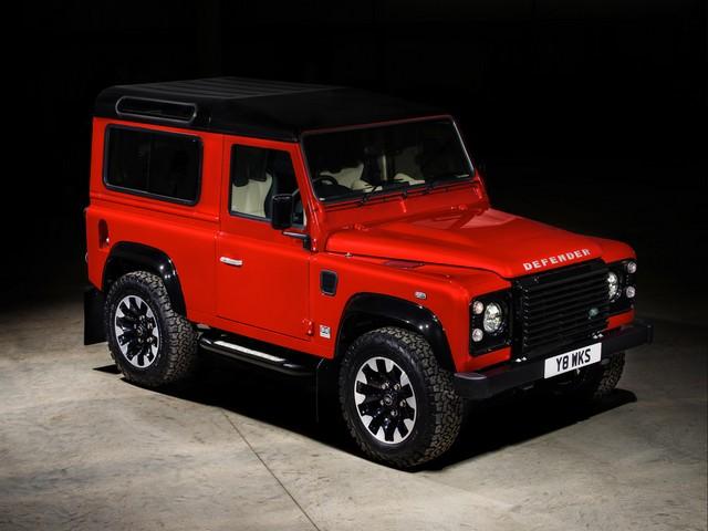 Land Rover lance une version V8 du Defender pour célébrer ses 70 ans 86eedc8b4b1f3f69db6a