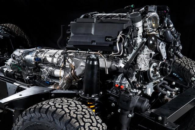 Land Rover lance une version V8 du Defender pour célébrer ses 70 ans 14e21a15822a187e7666