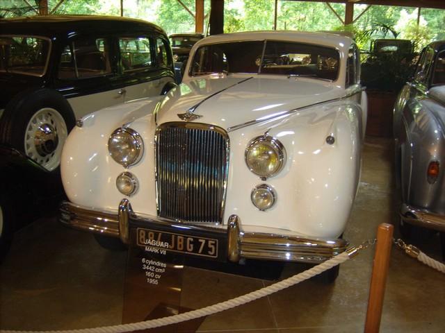 Quelques photos de mon passage au Manoir de l'Automobile et des Vieux Métiers de Lohéac  B0676c36c6e993a586ce